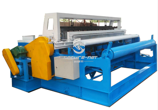 Mult function crimped wire mesh machine